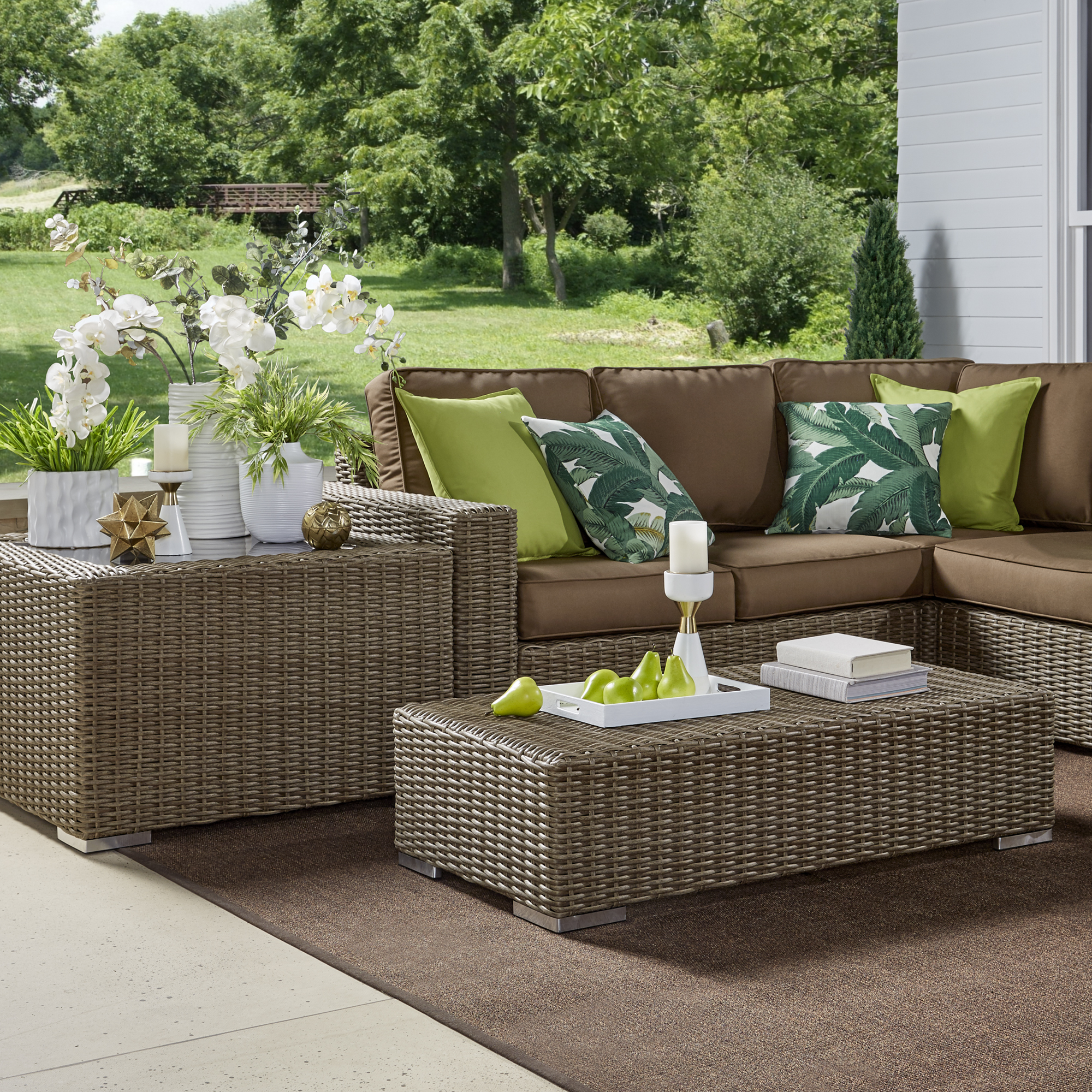 Soak Up Some Sun with the Perfect Patio
